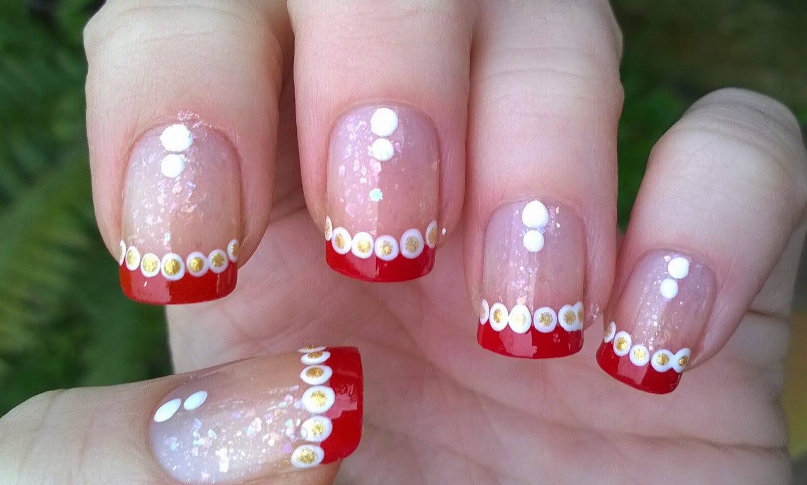 Life World Women Super Easy Christmas Nail Art