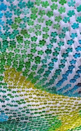 Menyulap Botol Plastik Bekas Menjadi Canopy Mobil yang Indah 3