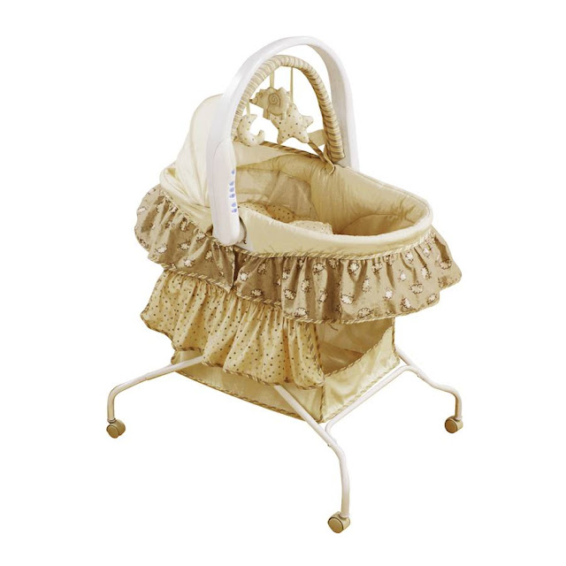 Bassinet First Years7