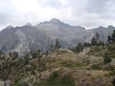 Pico y cresta del Alba