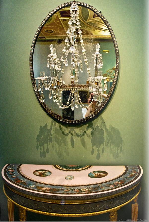 Psynopsis MyFavouritePlace Jazmine V&A Mirror Chandelier