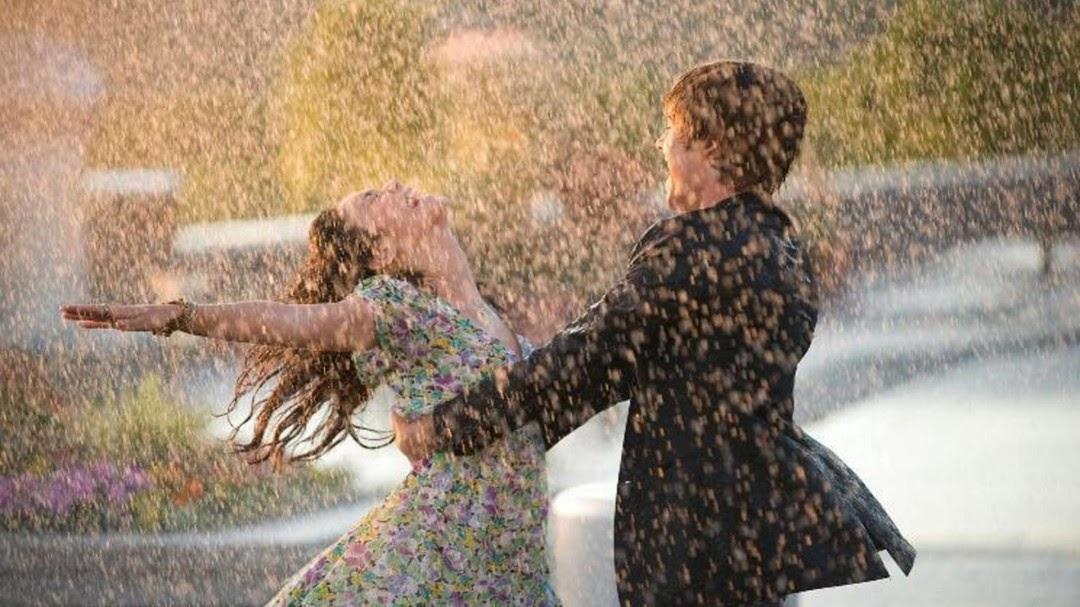 couple rain wallpaper