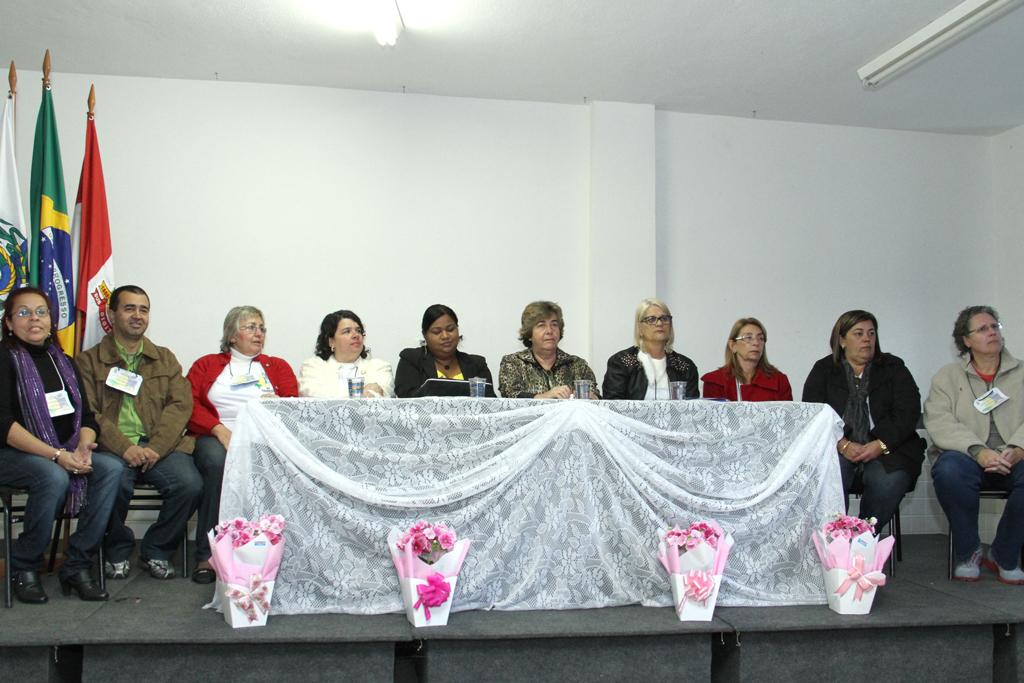 Integrantes dos Conselhos Municipal e Estadual de Assistência Social e da Prefeitura abrem a Etapa Municipal