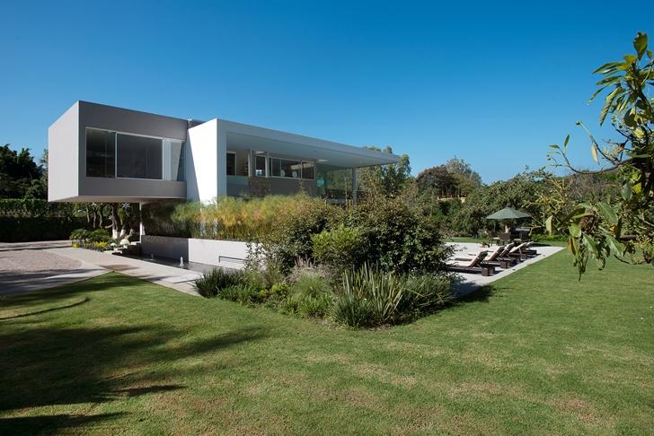 Modern Casa del Viento by A-oo1 Taller de Arquitectura