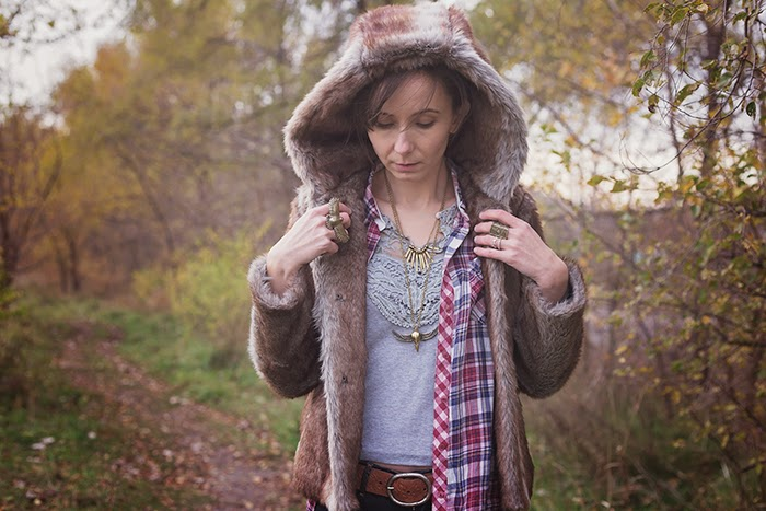 faux-fur-coat-plaid-shirt-braided-crown