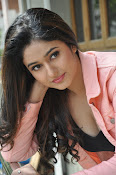 Poonam Bajwa latest sizzling photos-thumbnail-20