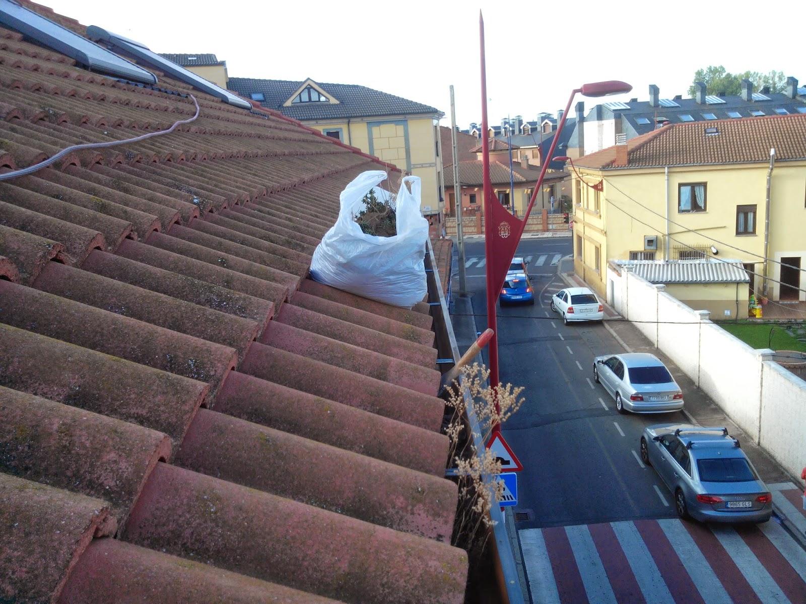 Reformas villasol limpieza de canalones pvc aluminio zinc - Precio de canalones de pvc ...