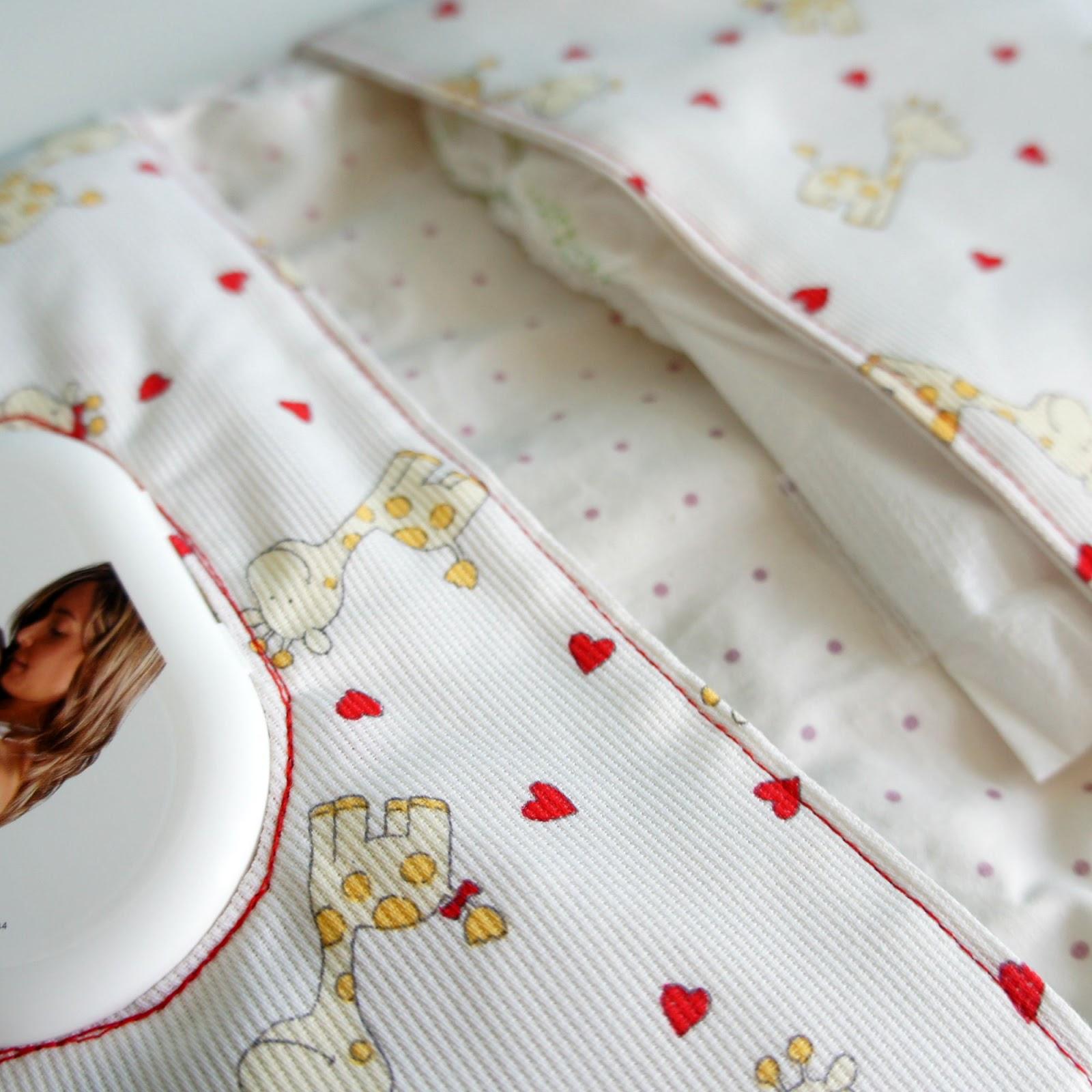 pinafili: Pinafili Films. Bolsa para los pañales y toallitas del bebe.