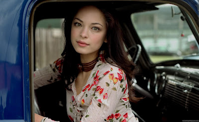 Kristin Kreuk Canadian-American Actress Desktop Wallpaper