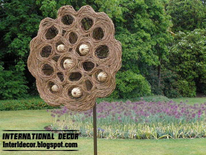 Home Exterior Designs: Hare willow sculpture for decorative garden ideas