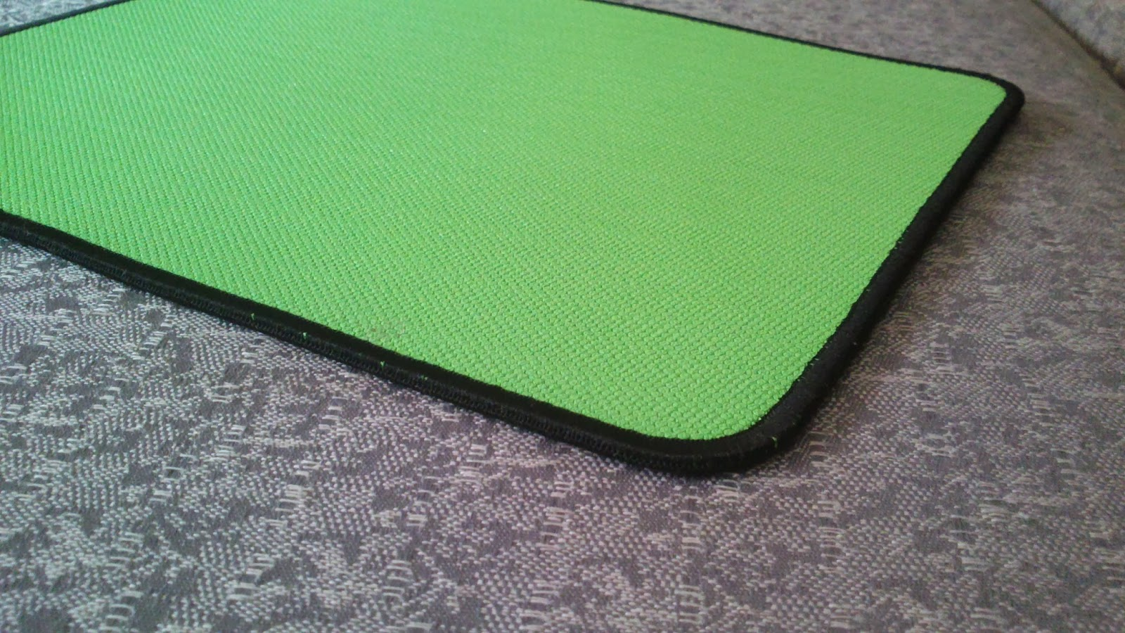 Techo Mouse Pad Razer Mantis Normal Edge Gaming Mat The Base Material Is Same As Others An Anti Slip Rubber It Has A Great Grip And Does Not Easily At Of