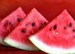 Cara Membeli Semangka yang Merah, Manis, dan Segar