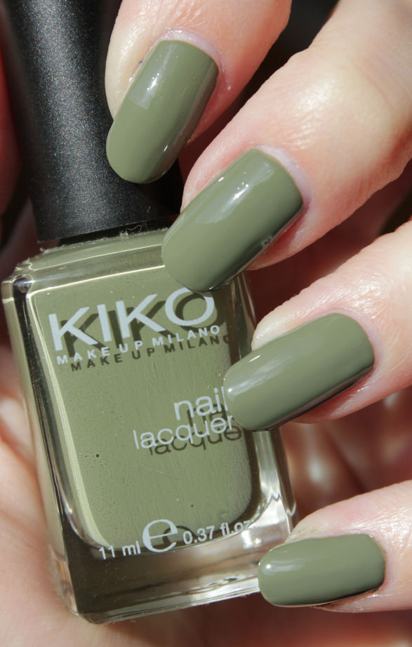 http://lacquediction.blogspot.de/2015/06/kiko-394-olive-green.html