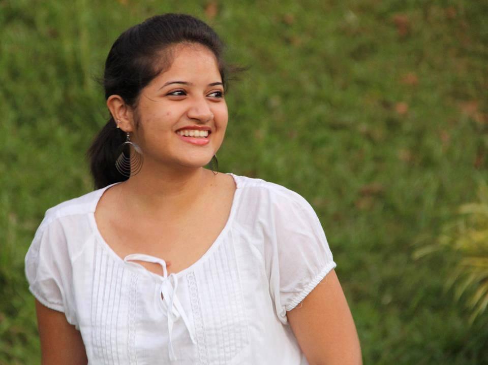Katha Parayumbol fame Malayalam actress Shafna latest hot photos in