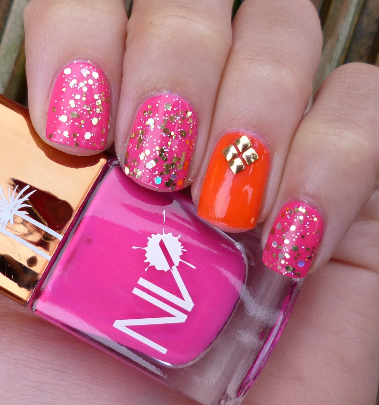 Lou is Perfectly Polished: Pink and Orange: Same Accent Nail