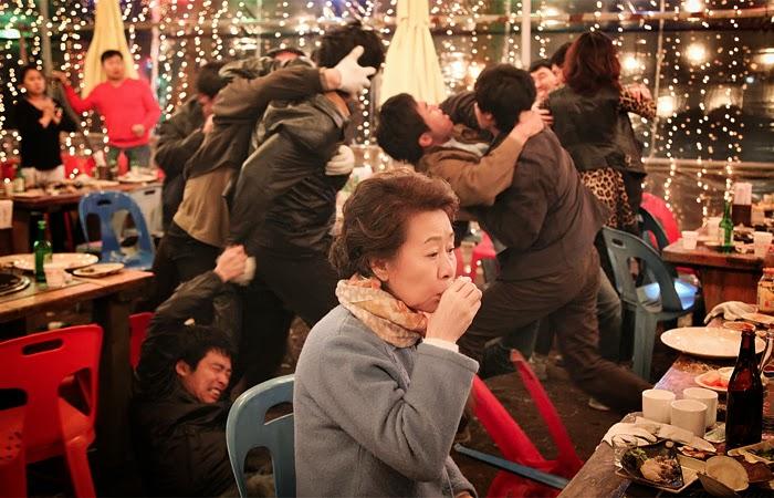 http://2.bp.blogspot.com/-u61eyj2WWnc/UqNGuIHzSWI/AAAAAAAAA2M/d_eOPSJhvtU/s1600/boomerang-family-2013-korean-hae-sung-song-ji-hee-jin-hyo-jin-kong-yeo-jeong-yoon-movie-film-review-shelf-heroes.jpg