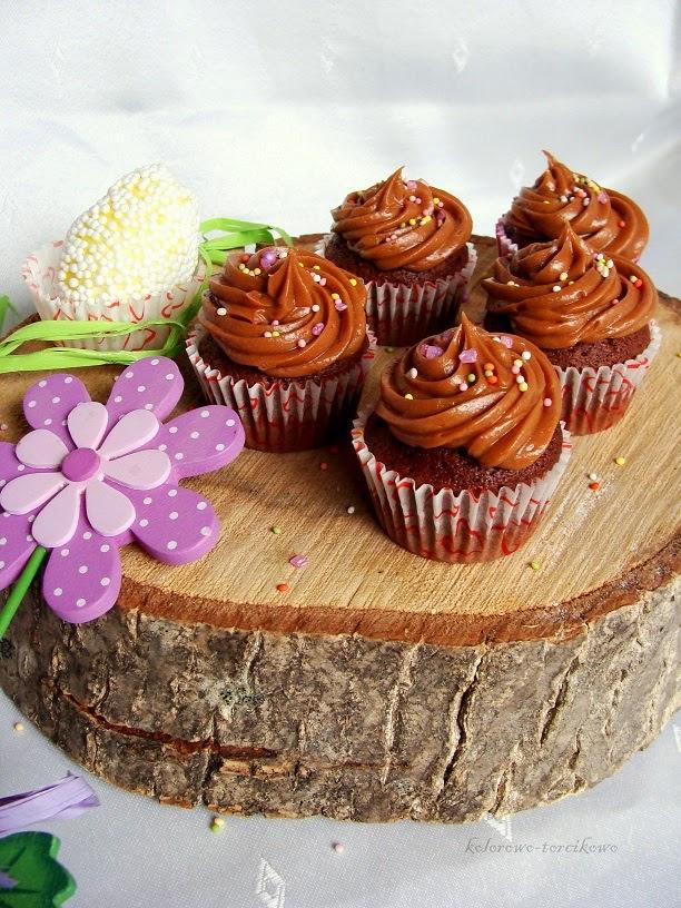 muffinki z krem czekoladowym