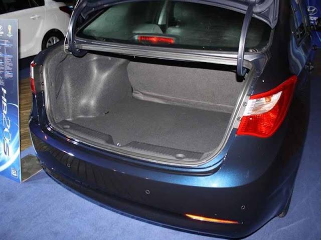 Hyundai HB20S Sedã - Porta-Malas de 450 litros