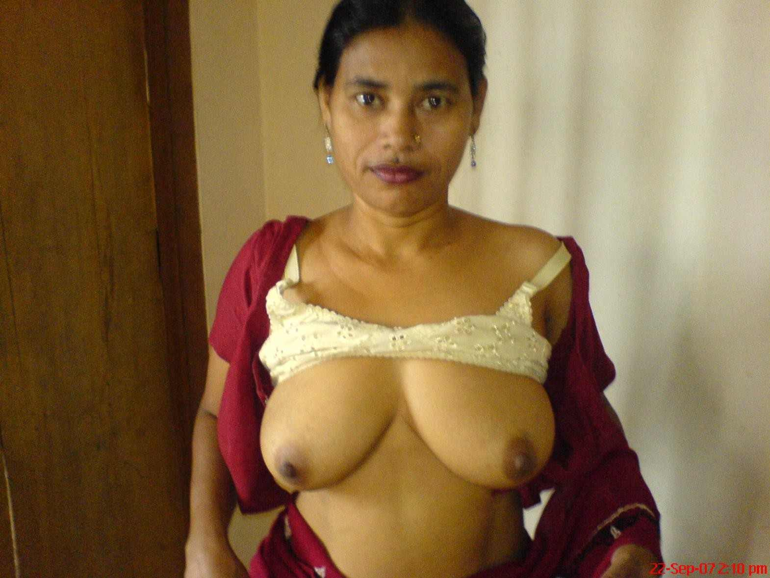 Nudes Photos 2014: Indian aunties