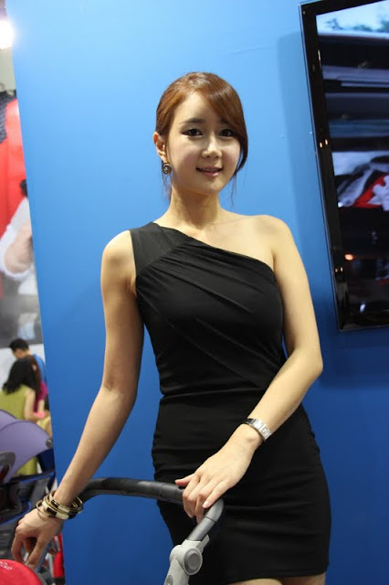 Korean Model Han Chae Yee