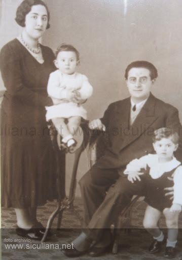 Famiglia Luigi Basile con i piccoli Giuseppe e Silvio, 1933