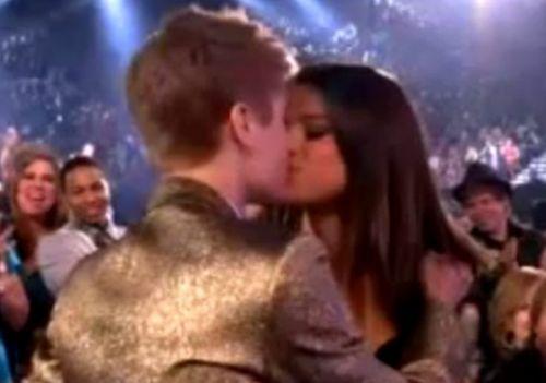 fotos de justin bieber y selena gomez besandose. de Justin Bieber y Selena