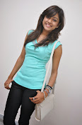 Vithika Sheru Glamorous Photo Shoot Gallery-thumbnail-18