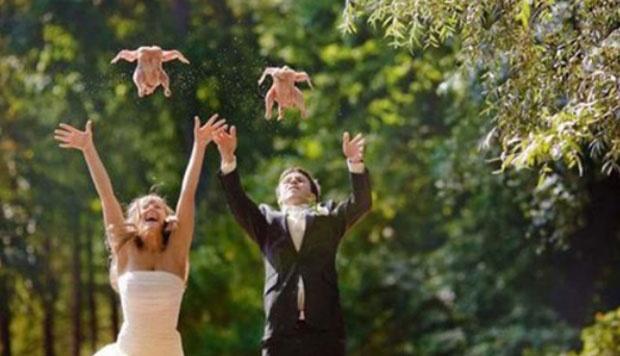 gimana Foto Lucu Pernikahan nya, kreatif dan juga bikin orang2 bisa