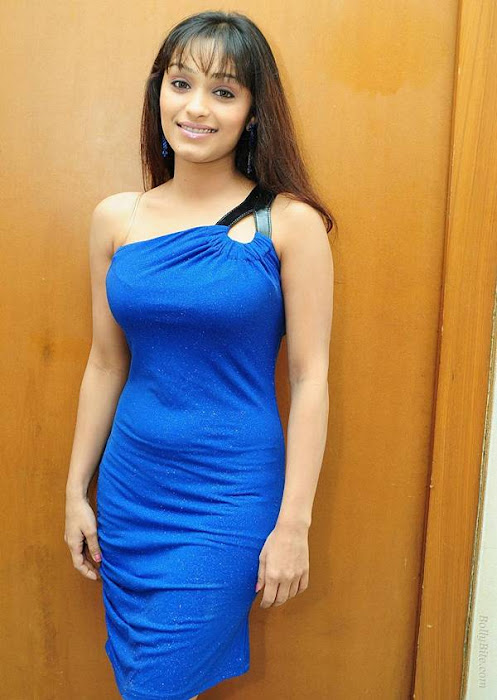 side | arya vora in blue actress pics