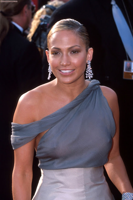 Jennifer_lopez_nude_topless_boobs_nipple_seethrough_picture