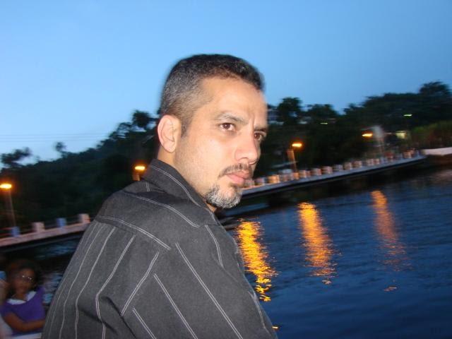 http://2.bp.blogspot.com/-u8Bh6p9-MME/TbYHNFvdkeI/AAAAAAAACLE/wSQ0-nQvyRk/s1600/LUCIANO%2BBORGES.jpg