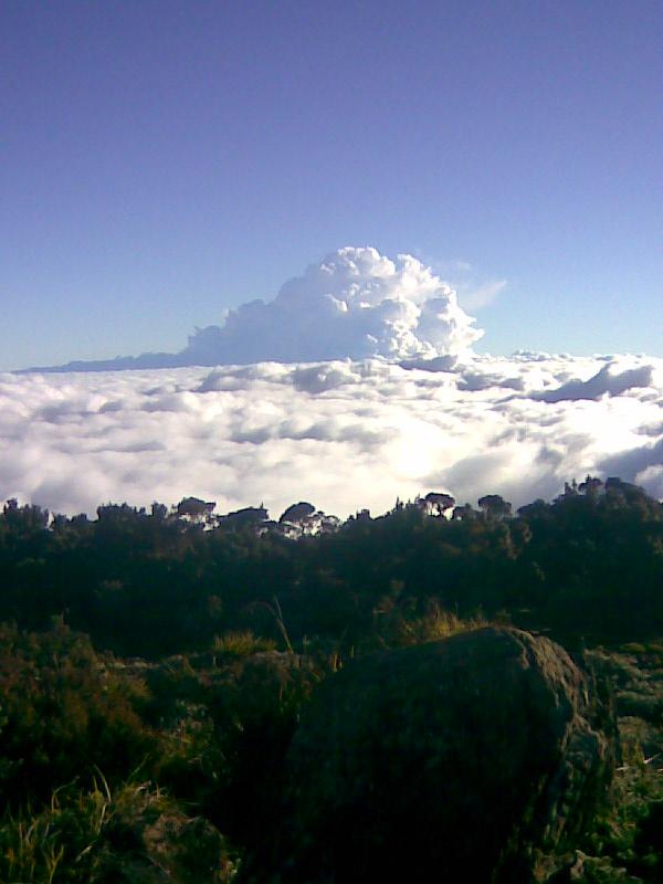 Keindahan pemandangan gunung latimojong