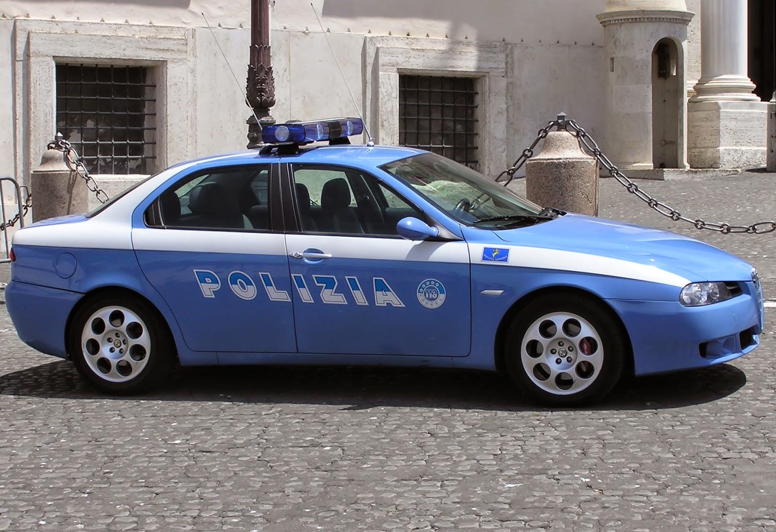 Ex poliziotto uccide due donne e poi si da fuoco in auto