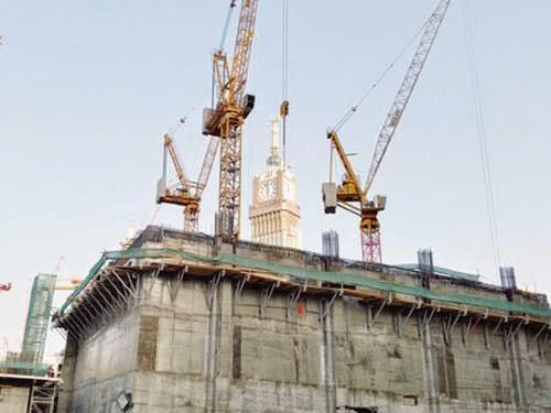 Pembangunan menara