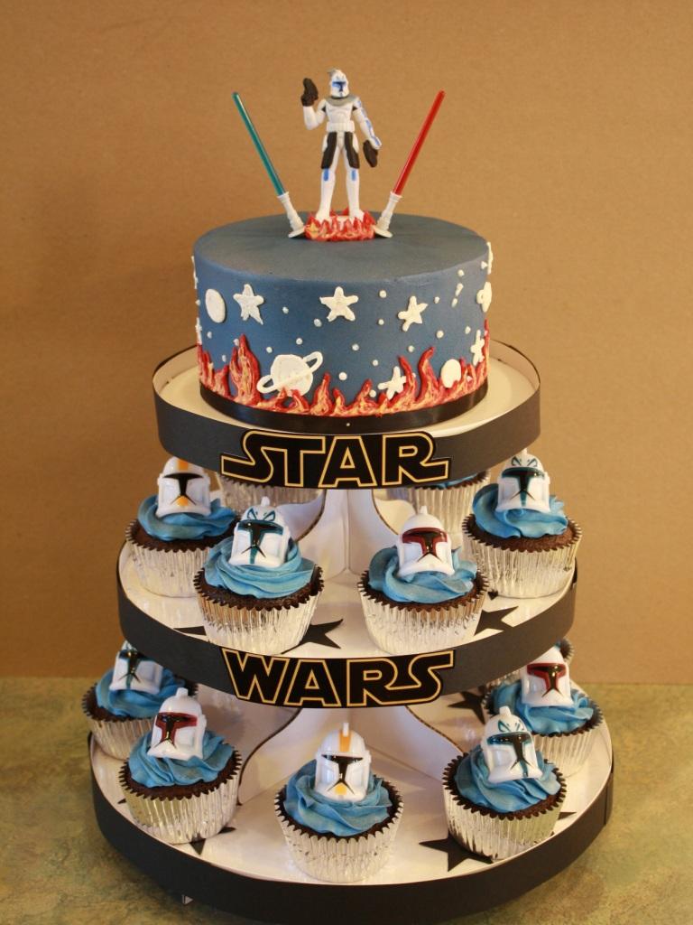 Star Wars Cake Design Pinterest : Party Cakes: Star Wars Cake & Cupcake Display