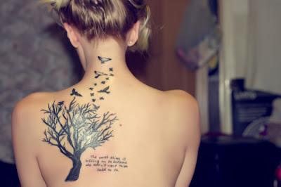 Desenhos de Tatuagens Femininas nas Costas