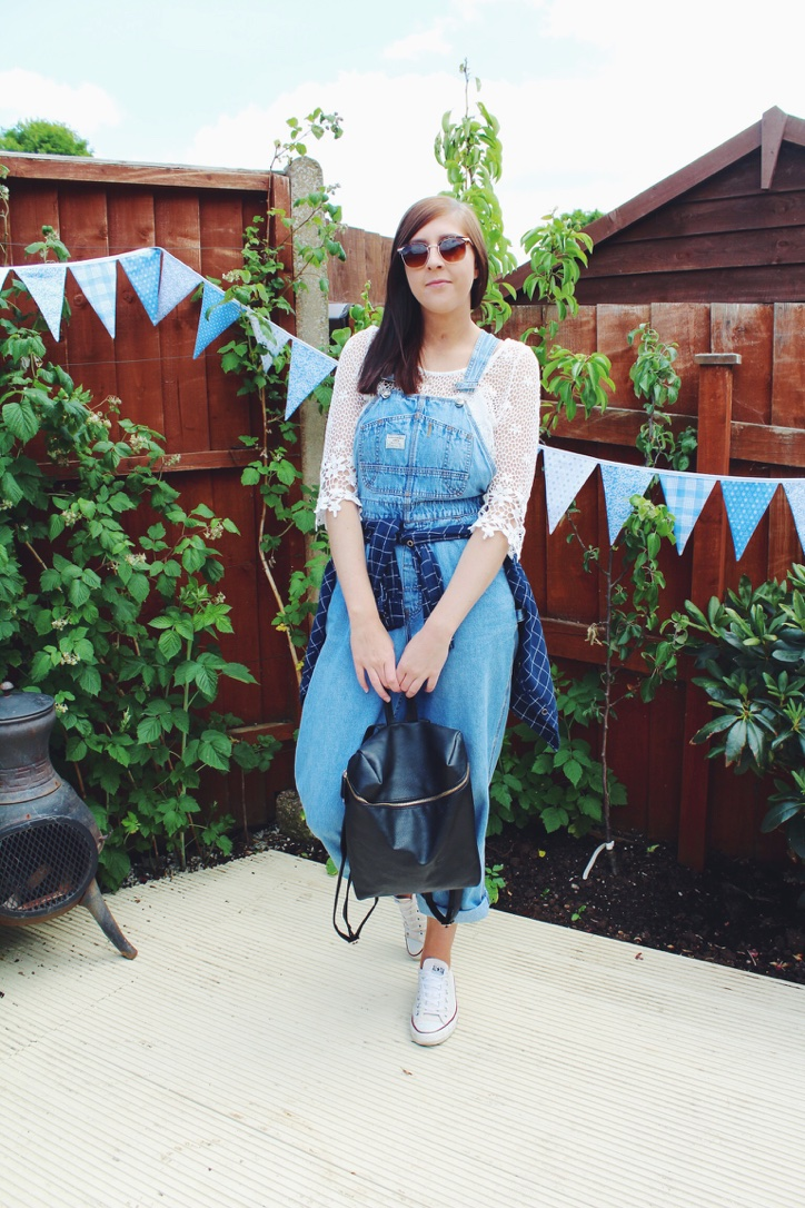 asseenonme, dungarees, festival, festivalclothes, festivalfashion, vintage, converse, lookoftheday, lotd, pullandbear, ootd, outfitoftheday, primark, retrosunglasses, topshop, whatimwearing, wiw, backpack, checkshirt