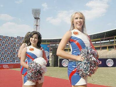 Royal+Challengers+Bangalore+Cheergirls+ipl4.jpg