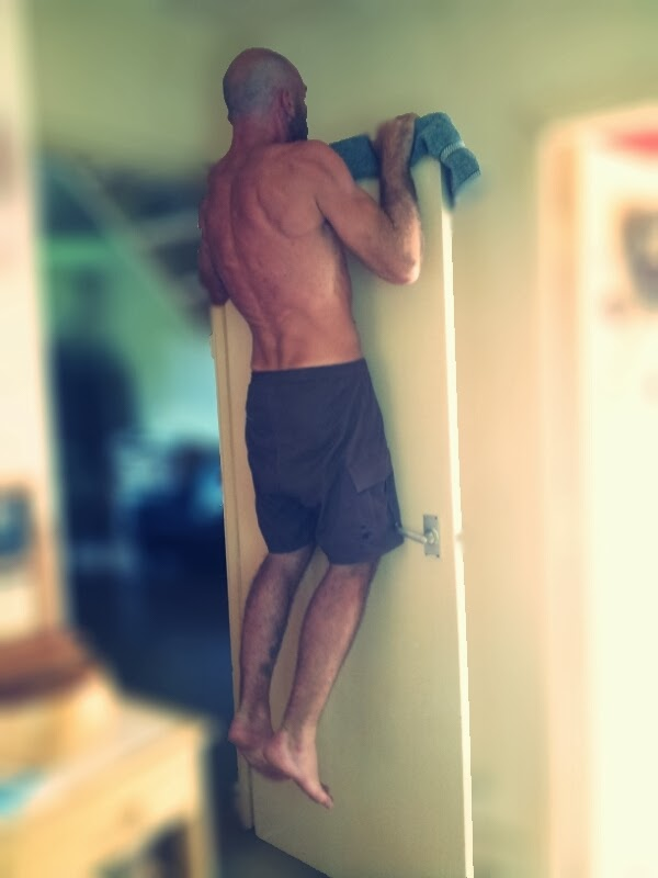 Door pull ups: place a towel on top of a door and perform pull ups by sliding your body up and down the door. This is an effective way to do pull ... & Start Bodyweight Training: Pull up bar alternatives Pezcame.Com