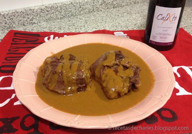Carrilleras de cerdo con vino tinto
