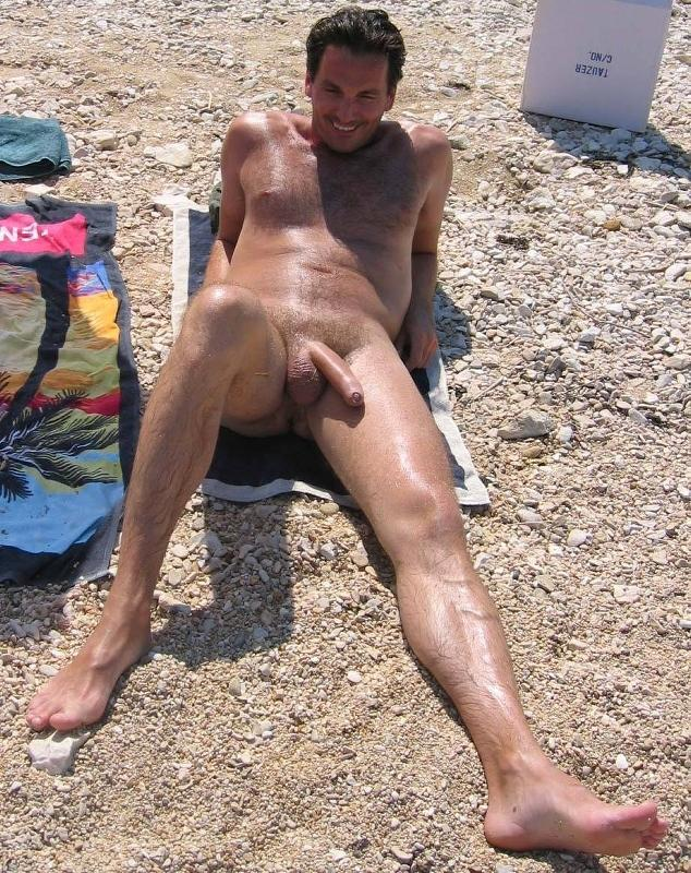 amateurs naked in the sun