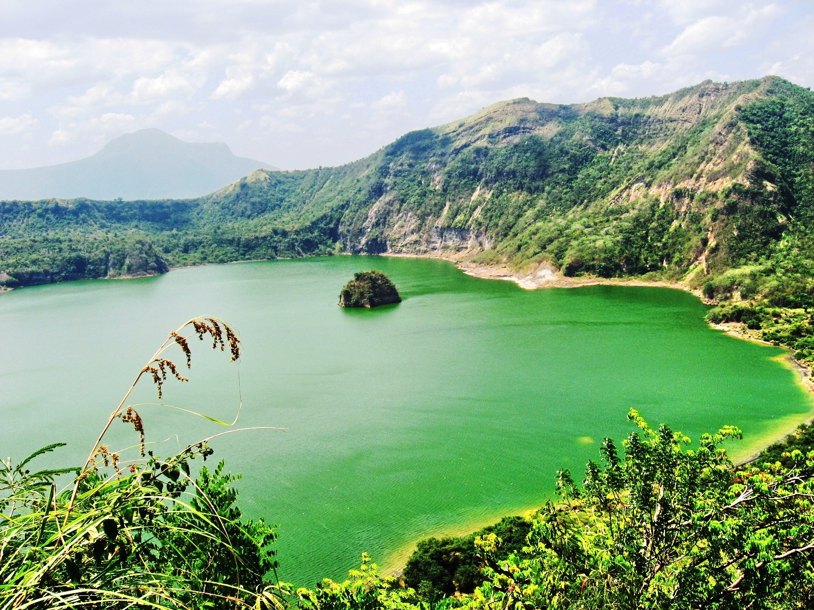 Crater Lake Resort Taal Taal Volcano's Crater Lake And