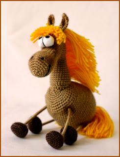 вязаный крючком конь (лошадка) своими руками