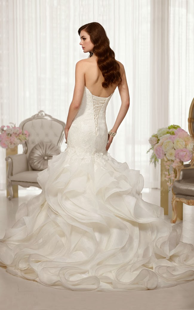 Strapless Trumpet Lace Wedding Dress with corded Lace Bodice