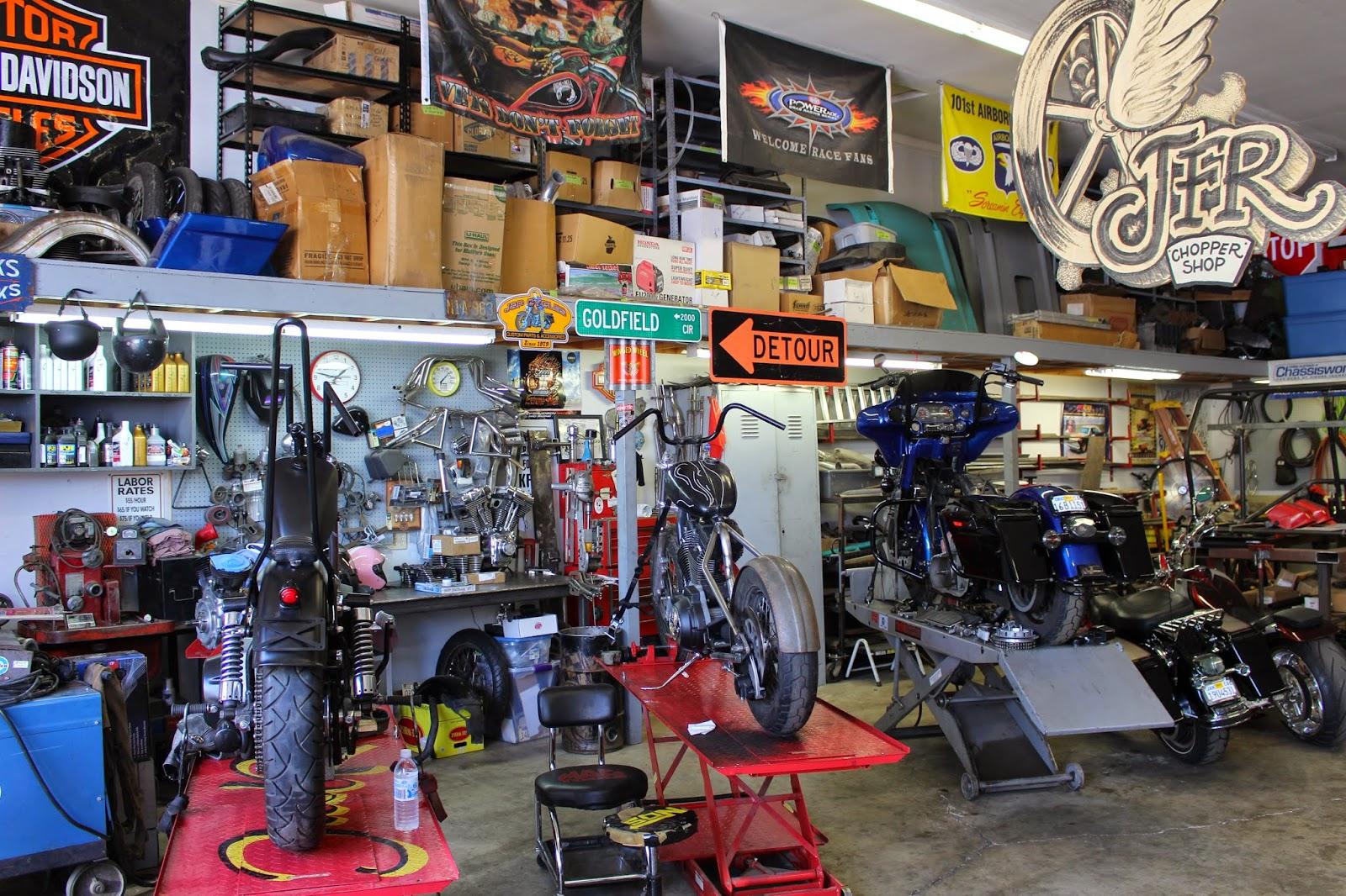 pin up motorcycle garage. Black Bedroom Furniture Sets. Home Design Ideas