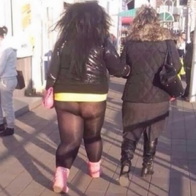 фото жирних дам в юбках
