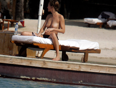 Karen Mulder Topless Bikini Candid Photos In Mauritius
