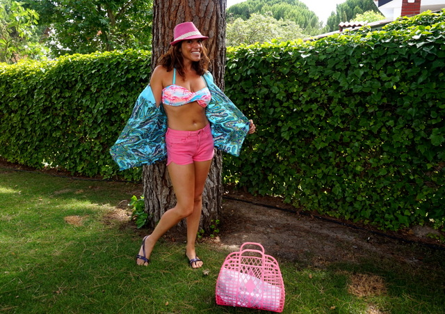 look piscina rosa