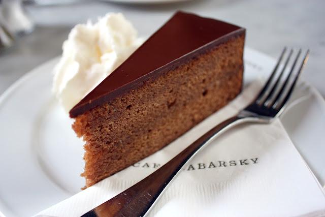 Cake Avenue Facebook