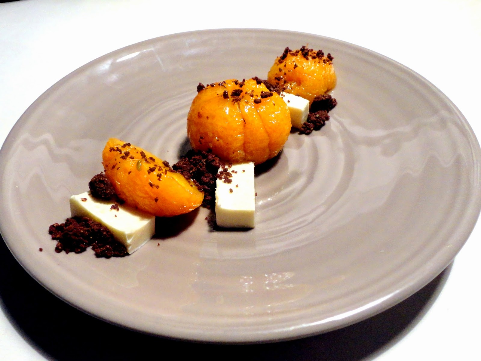 http://emancipations-culinaires.blogspot.com/2015/03/clementine-rotie-gingembre-anis-crumble.html